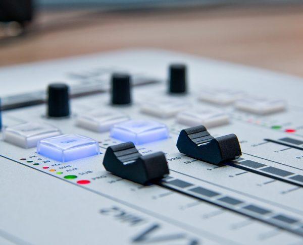 radio-1475054_960_720